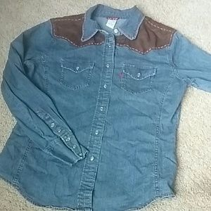 Levi's women's Pearl button Western shirt